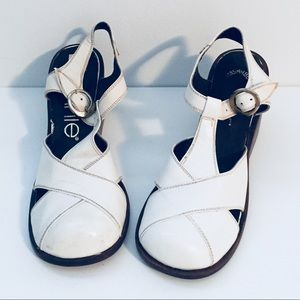 Vintage White Clog T-strap Sandals 5.5 unused